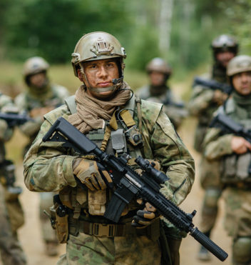 Soldiers-Standing_Military Fabric